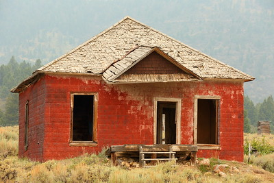 Red house at Gilmore, ID. © 2021 Kenneth R. Sheide