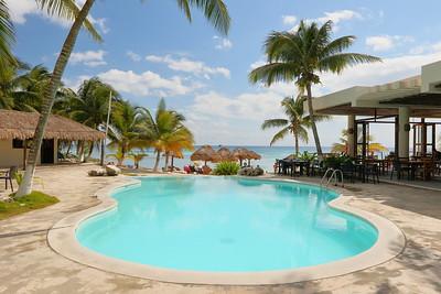 Paamul Beach, Quintana Roo, Mexico. © 2018 Kenneth R. Sheide