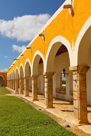 Arches along edge of courtyard at San Antonio de Padua Convent, Izamal, Yucatan, Mexico. © 2018 Kenneth R. Sheide