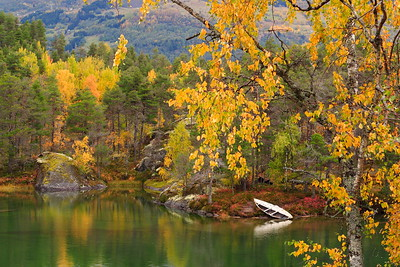 Autumn scene on lake near Sogndal, Norway. © 2004 Kenneth R. Sheide