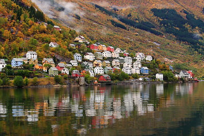 Hillside homes in Odda, Norway. © 2004 Kenneth R. Sheide