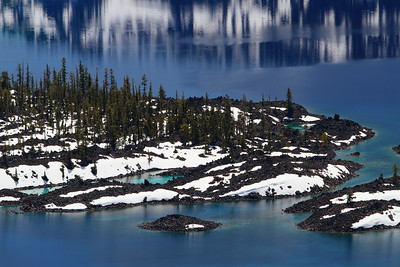 Edge of Wizard Island in Crater Lake, OR. © 2014 Kenneth R. Sheide