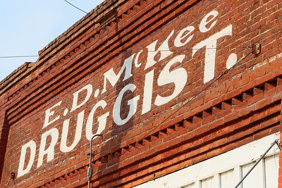 Druggist sign in Wasco, OR. © 2017 Kenneth R. Sheide