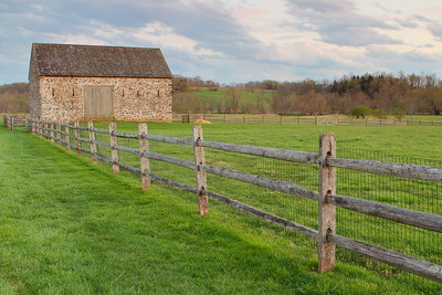 Barn in the late afternoon in Chester County, PA. © 2014 Kenneth R. Sheide