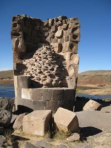 Chullpa tomb at Sillustani, Peru. © 2012 Kenneth R. Sheide