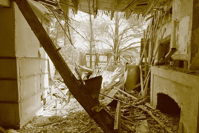 Collapsed entry room of Cushman house, Mockhorn Island, VA. © 2020 Kenneth R. Sheide