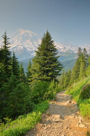 Pinnacle Peak trail, Mount Rainier NP, WA. © 2017 Kenneth R. Sheide