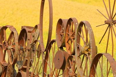 Wheel fence at Dahmen Barn, Uniontown, WA. © 2017 Kenneth R. Sheide