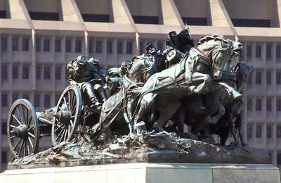 union artillery statue
