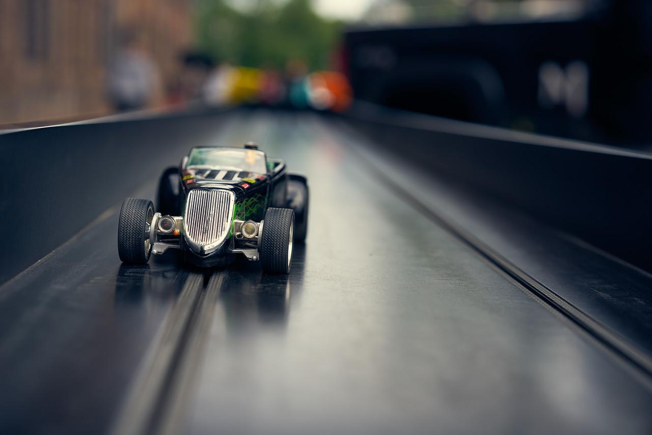 quarter mile slot car race