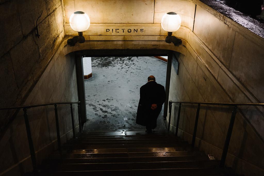 alone at pietons