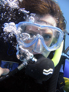 Sis Laura diving in Belize (photo from Matt& Laura's smugmug site)
