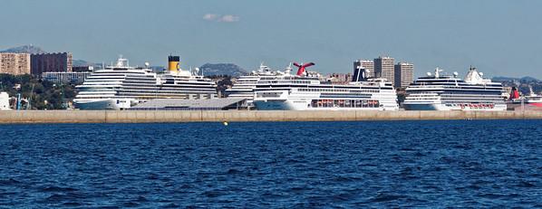 Port de l'Estaque : Départ des Corbières - Croisièristes