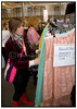 Ayoe til  Luksus loppemarked Øksnehallen 2004.  Foto: Torben Christensen  København ©.  Foto: Torben Christensen  København ©