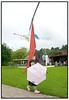 Med vejrudsigten for den kommende uge er det nok<br /> <br />  fornuftigt at bevæbne sig med paraply/parasol som dene lille japanske pige  der sammen med sine forældre havde lagt vejen forbi Louisiana i Humlebæk nord for København lørdag juni 26.2004.  Foto: Torben Christensen  København ©