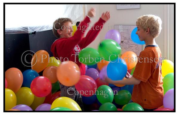 Børn og balloner på eksperimentariet 2005. Foto: Torben Christensen  København ©