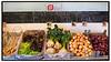 Grøntsager, frugter i økologisk gårdbutik på Esrum Møllegård med ø mærket. Foto: Torben Christensen  København ©