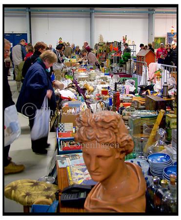 Danmarks største loppemarked i Bellacenteret 22.03.2005. Foto: Torben Christensen  København ©  Ayoe Bryndis