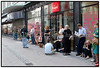 Mandag morgen 10. juli 2006 havde de første stillet sig i kø ved Fona på Strøget, til billetsalget til Bruce Springsteen og The Seeger Sessions Band koncerten i Parken den 28. oktober. (Foto: Torben Christensen / Scanpix 2006) . Foto: Torben Christensen  København ©