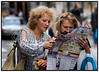 To kvindelige turister kigger på bykort, kort over København. Foto: Torben Christensen  København ©