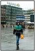 Der var ikke mange der trodsede det kraftige regnvej der  søndag 27. august 2006 passerede over københavn, Her på Rådhuspladsen.n . Foto: Torben Christensen  København ©