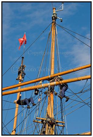 Master klargøres  ved Amaliehaven. Foto: Torben Christensen  København ©  Leif Sylvester malerier marts 2007