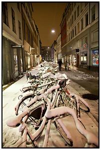 Cykler dækket af sne 2009