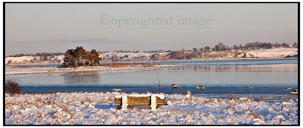 Vinterbillede Roskilde Fjord ved Munkholmbroen<br /> .  Foto: Torben Christensen  København ©