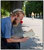 Joachim med rød bold på næsen i Kongen Have.  Foto: Torben Christensen  København ©