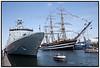 Flådens 500 års jubilæum med Absalon (2004- ) ... Indgået i flåden: 19. oktober 2004 og det italienske skoleskib Amerigo Vespucci i Københavns Havn   Foto: Torben Christensen  København ©