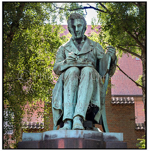 Søren Kirkegaard  statue