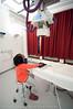Anisha er på kontroll på Narvik Sykehus 19. januar 2011. Sjekk av brudd i hånd. Gips er fjernet. Nå røntgen og etterkontroll.
