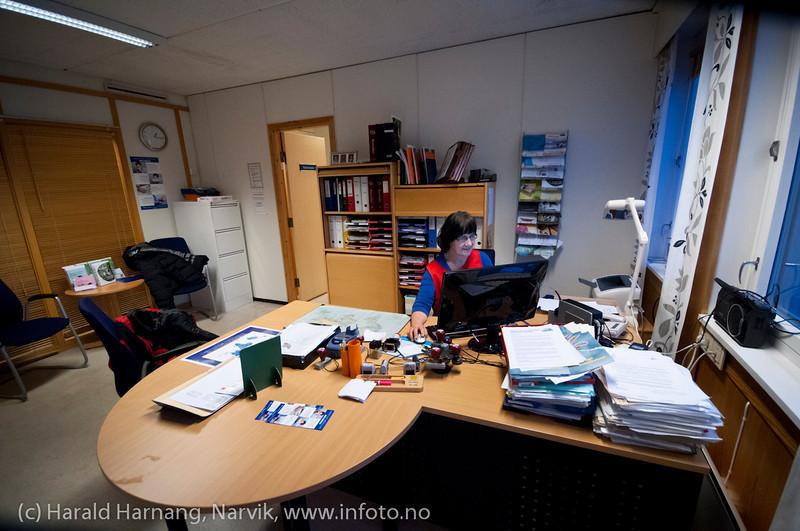 Vaksinasjon hos helsesøster Gun Roaldset på vaksinasjonskontor i gml el-verkbygg, Kongensgate. 12. jan 2012.