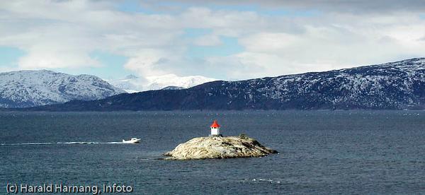 Fyrlykt, Skarstad, Efjord i Ballangen kommune.