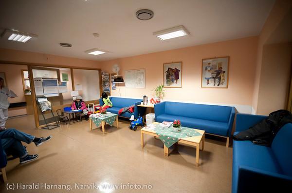 Narvik sykehus januar 2011. Venterom kirurgisk poliklinikk.