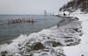 Lørdag 5. mars 2011: Medlemmer i polsk tilreisende isbader-klubb koser seg i vannet i Ornesvika. Vannet holder 2 grader.