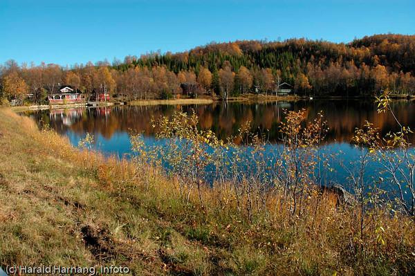 Hytte ved Trollvatn like ved mellomriksveien, Kong Olavs veg.