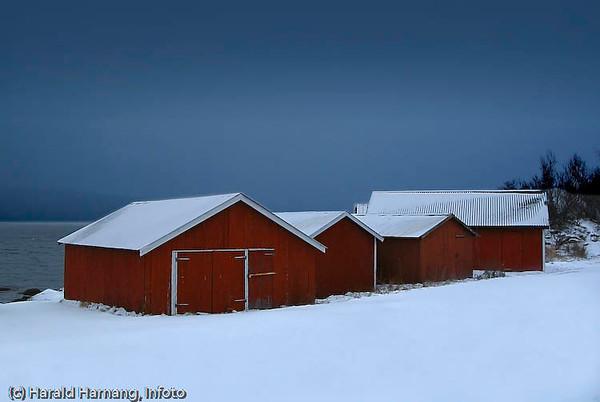 Naust i Framneslia, ved flyplassen i Narvik.