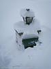 26. mars 2011: Det hadde snødd masse i løpet av natta. Det var såvidt avisbudet fant postkassa.