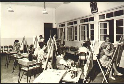 Escola do Cachinde Aulas de pintura - Professora Mercês Teixeira, Nercínia Peleja, Luisa Aragao e Brito , Sra. de Aparício