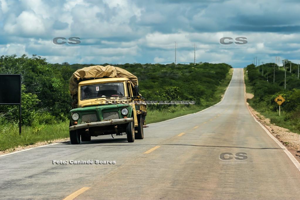 Camionete na estrada