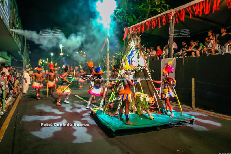 Desfile Indios