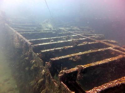 Boonsong ship wreck, diving in an aquarium