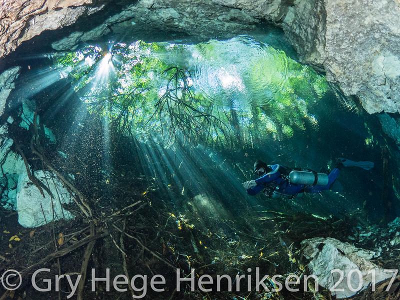 Cenote Esmeralda
