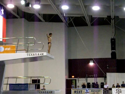 finals dive 3 - gainer 3.5 tuck...and the crowd goes wild!!!  nice dive hairbear!