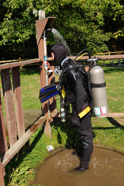 Dain Wright cooling off before his dive