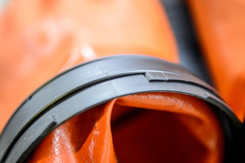 Virgon hanskakiinnike sellaisena kuin sen kuuluisi näyttää. Eli sileä pinta.