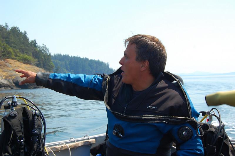 Kurt walks us through a dive briefing