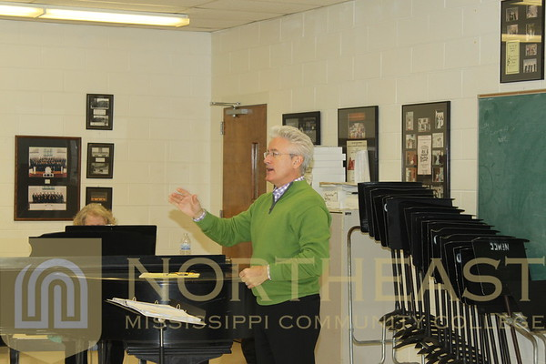 2015-03-19 CHOIR Steven Byess (Northeast Mississippi Symphony Orchestra) working with Chorus and Choir