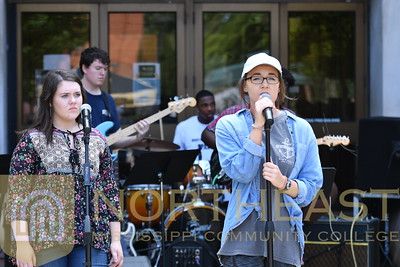 2018-10-01 CC Campus Country Performance on the Lawn